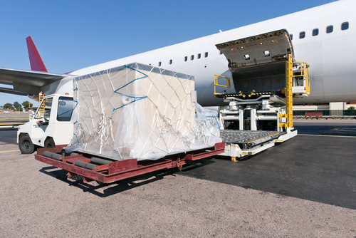 Freight forwarding - transport your goods internationally by air freight